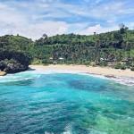 Pantai Batu bengkung by @annxsha